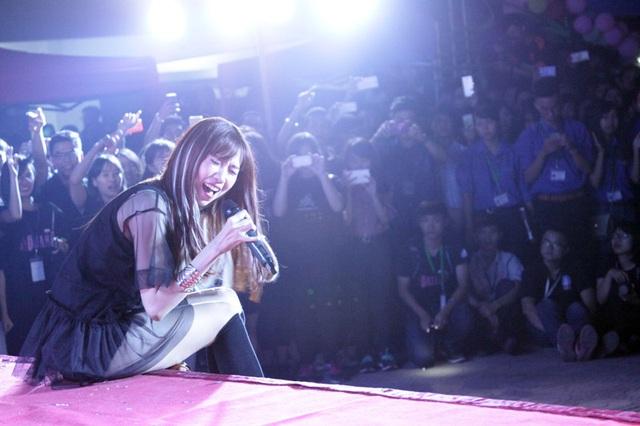 Nữ ca sĩ Min phiêu hết mình trong những bài hát về tình bạn, tình yêu