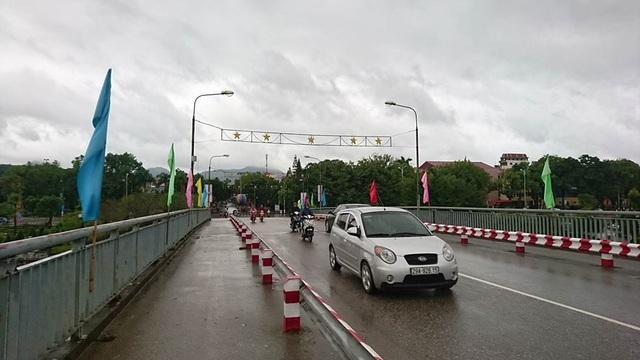"""Bão suy yếu sớm, Quảng Ninh may mắn """"thoát"""" bão - 7"""