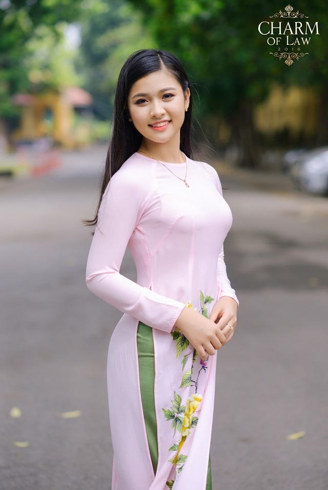 Phạm Hồng Ngọc (sinh năm 1998, chiều cao 1m62, cân nặng 55 kg)