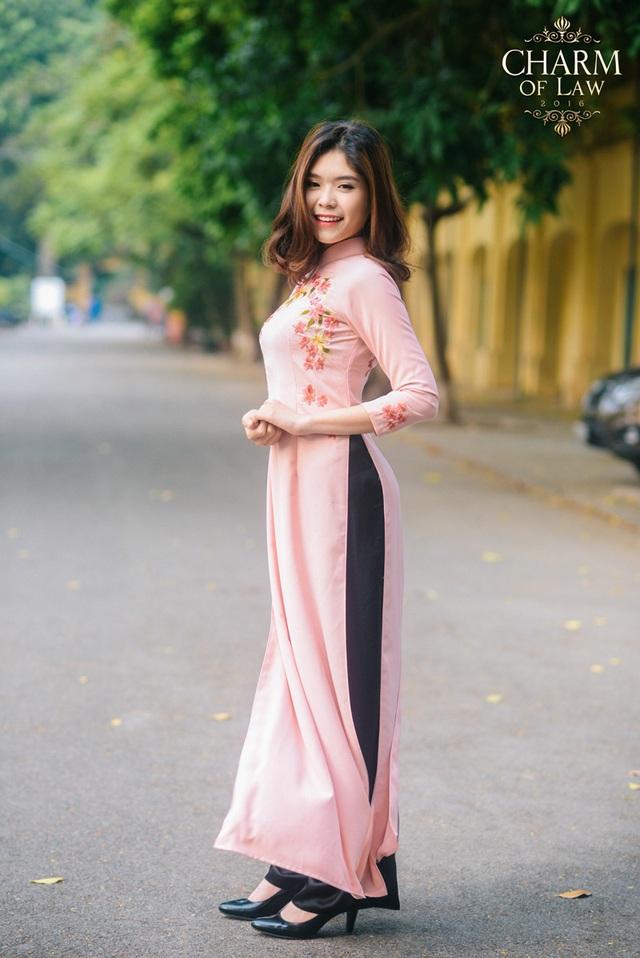 Hoàng Bảo Ngọc (sinh năm 1996, chiều cao 1m67, cân nặng 50 kg)