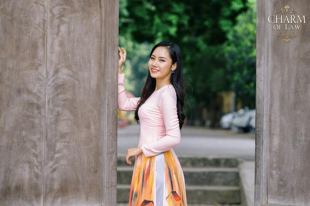 Tô Thúy Hằng (sinh năm 1997, chiều cao 1m62, cân nặng 53 kg)