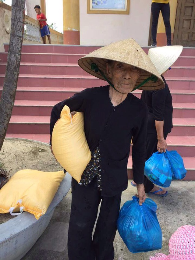Hoạt động hỗ trợ của LG nhằm góp một phần nhỏ để xoa dịu bớt nỗi cực nhọc của người dân vùng lũ