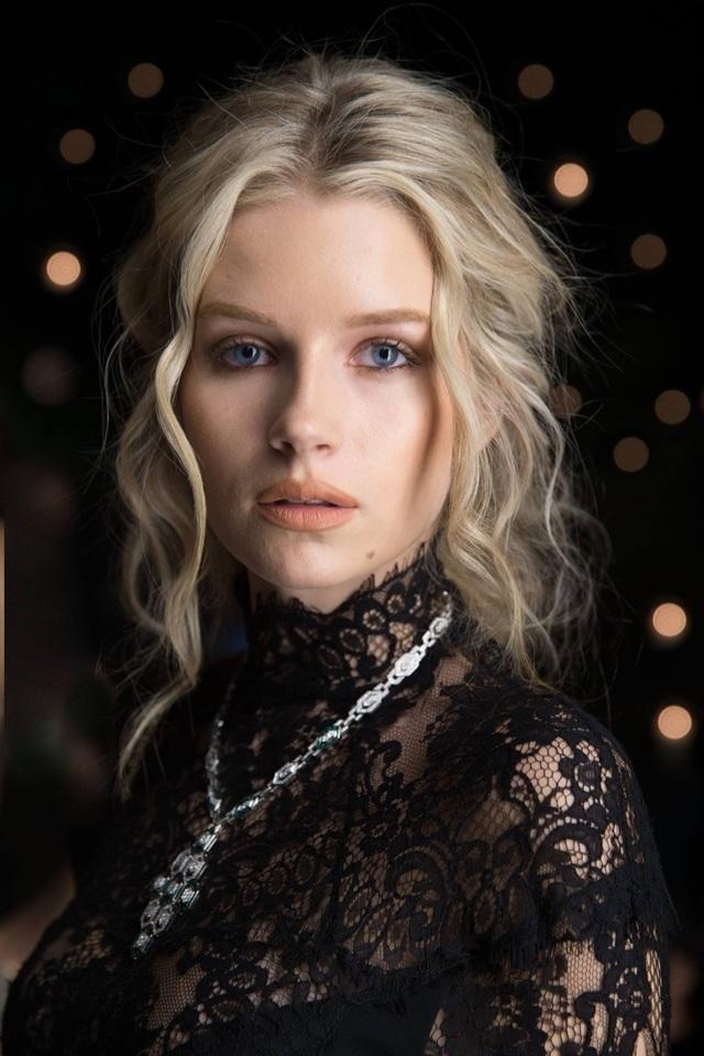 Lottie Moss bắt đầu nghiệp người mẫu khi mới 13 tuổi và ngày càng nổi tiếng.
