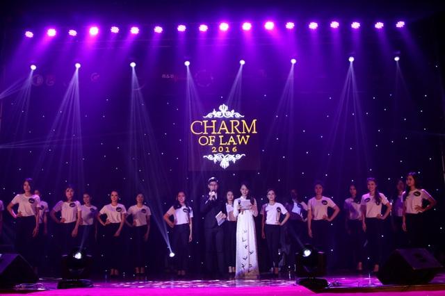 Toàn cảnh đêm chung kết cuộc thi Charm of Law 2016 - Duyên dáng nữ sinh trường Đại học Luật Hà Nội 2016