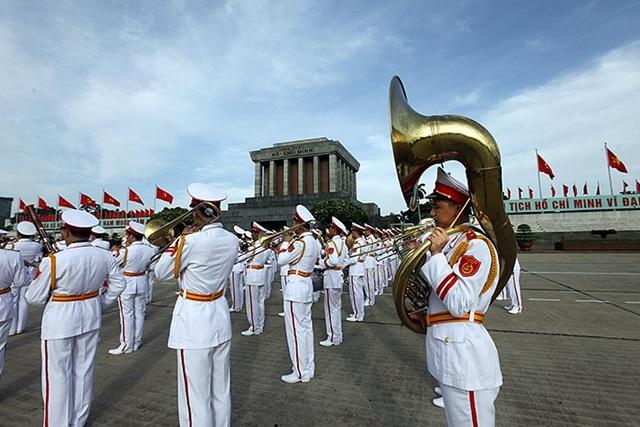 Những thay đổi trong lễ tuyên thệ của lãnh đạo đứng đầu nhà nước - 3