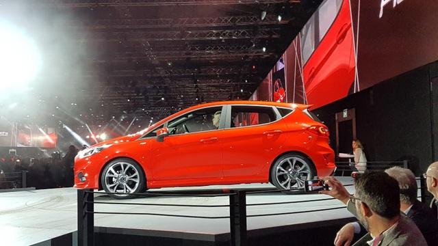 Ford Fiesta 2017 có gì mới? - 9