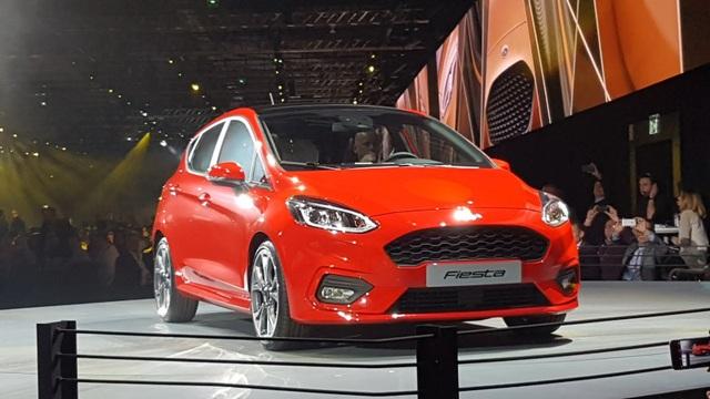 Ford Fiesta 2017 có gì mới? - 11