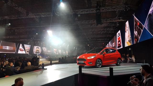 Ford Fiesta 2017 có gì mới? - 8