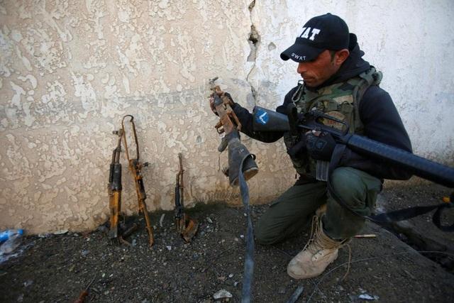 Cảnh chiến sự khốc liệt tại sào huyệt của phiến quân IS ở Iraq - 15