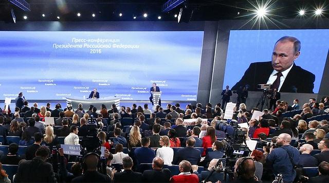 Tổng thống Nga Vladimir Putin tại cuộc họp báo. (Ảnh: Reuters)