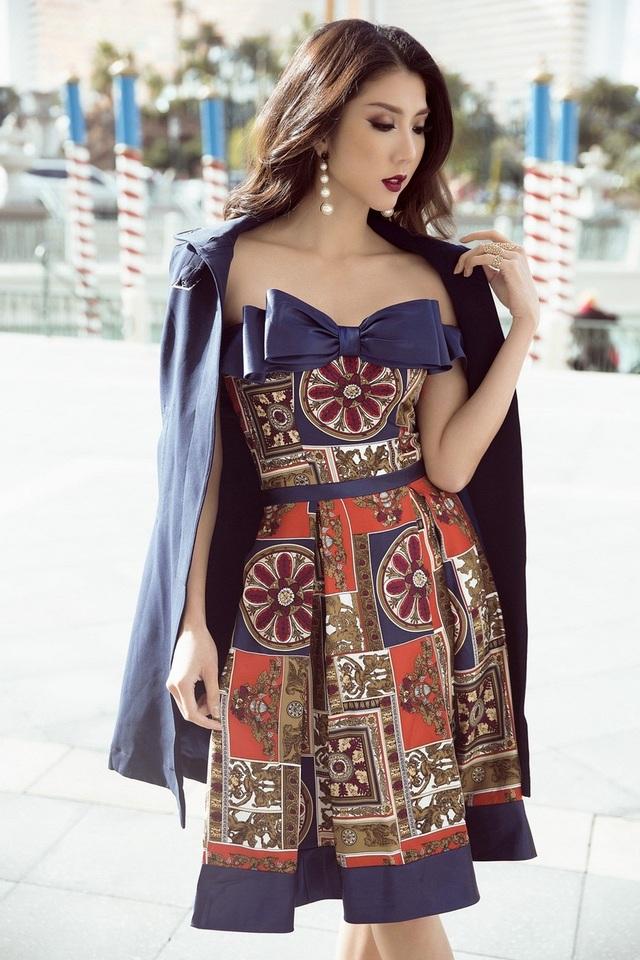 Kết hợp cùng áo khoác cùng tông xanh tạo độ phồng cho vừa tăng tính thời thượng cho chiếc váy.