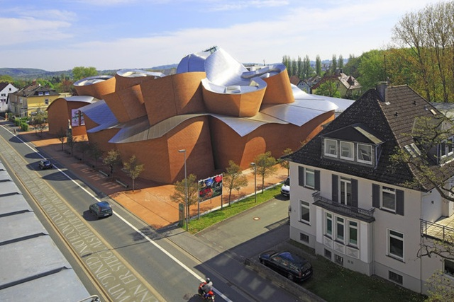 Bảo tàng Marta Herford, Herford, Đức trông giống như một tác phẩm điêu khắc mềm mại.