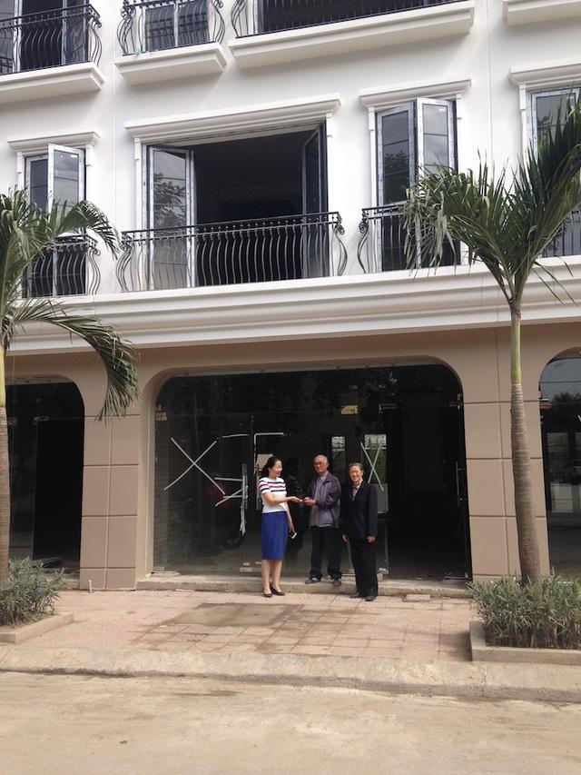 Dự án nhà phố Five Star Mỹ Đình được xây dựng trên tổng diện tích hơn 7.605 m2 nằm tại lô DD, khu đô thị mới Mỹ Đình, Mễ Trì, phường Mỹ Đình 1, quận Nam Từ Liêm.