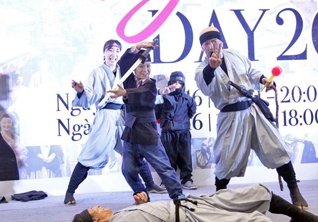 Với sự hỗ trợ từ các diễn viên ninja, các em nhỏ Hà Nội đã có một trải nghiệm rất đáng nhớ