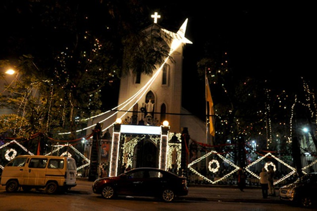 Nhà thờ Hàm Long lung linh trong đêm Giáng sinh