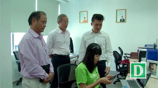 Hội đồng sơ khảo thị sát sản phẩm dự thi Nhân tài Đất Việt 2016