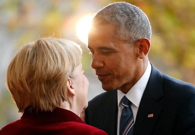 Tổng thống Mỹ Barack Obama và Thủ tướng Đức Angela Merkel gặp nhau lần cuối trước khi ông Obama chính thức rời nhiệm sở vào tháng 1 tới. Trong suốt 2 nhiệm kỳ của ông Obama, hai nhà lãnh đạo đã duy trì mối quan hệ khăng khít trong việc giải quyết nhiều vấn đề toàn cầu. (Ảnh: Reuters)