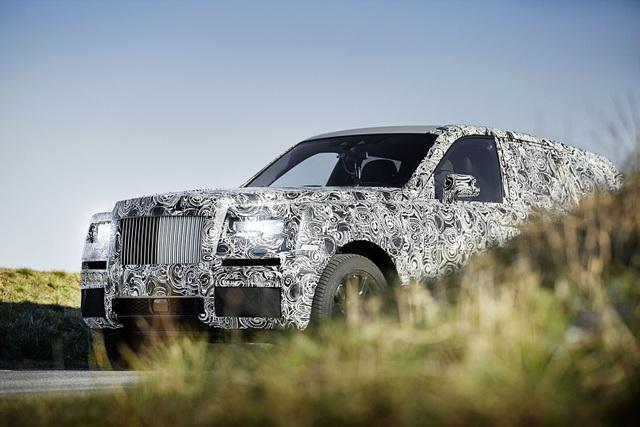 Rolls-Royce hé lộ hình ảnh đầu tiên của Cullinan SUV - 1