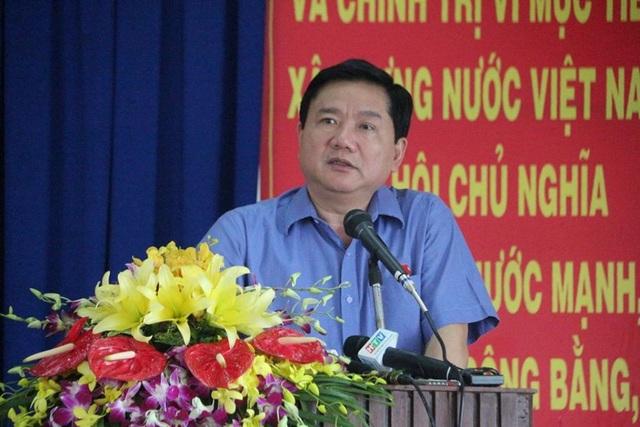 Bí thư Thành ủy TPHCM Đinh La Thăng mong bà con hết sức chia sẻ với cố gắng của thành phố.