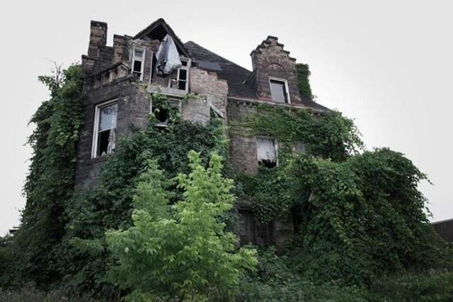 Căn nhà có tên Millan Mansion của một người Ý xuất thân Milan tại Mỹ. Nhiều người cho rằng ông chủ là phù thủy
