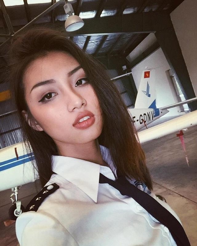 Nữ sinh 21 tuổi sexy nhất trường Học viện Hàng không - 1