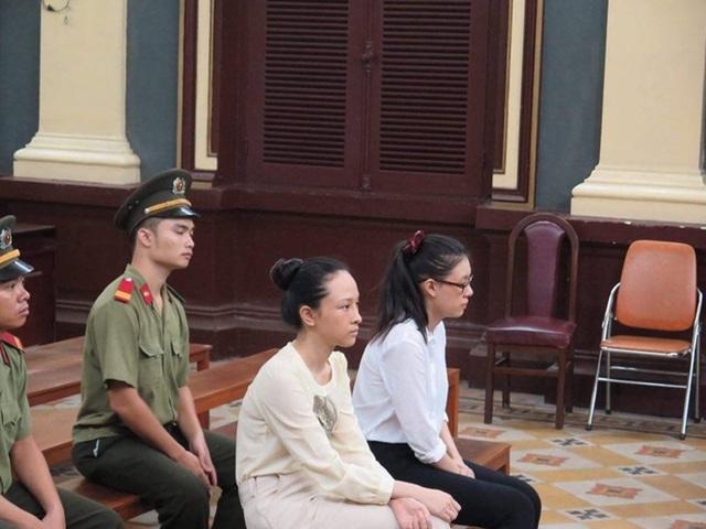 Phương Nga và Dung tại phiên xử sơ thẩm
