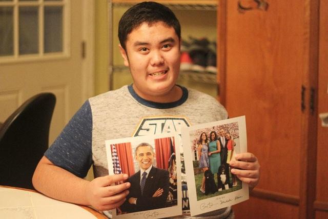 Tổng thống Mỹ Obama đã hồi âm và gửi ảnh có chữ ký của ông cho Thomas Trần.