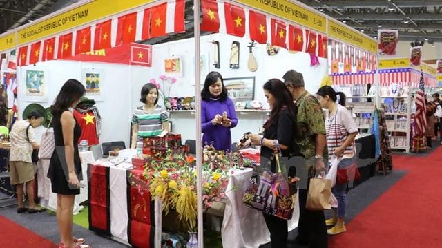 Gian hàng Việt Nam tại hội chợ. (Ảnh: Đỗ Quyên/Vietnam+)