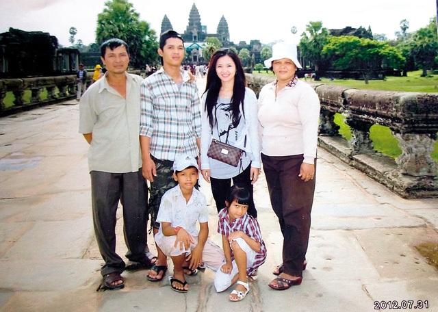 Gia đình ông Nguyễn Xuân Thanh tại Campuchia. Ảnh: Gia đình cung cấp