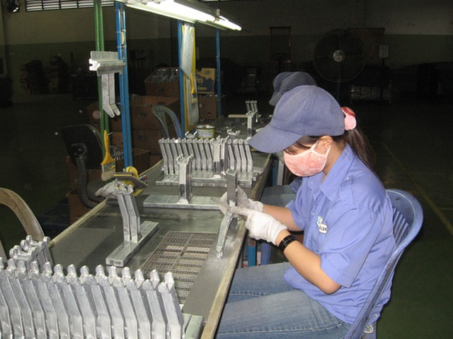Công nhân làm việc tại Công ty TNHH Fuji Impulse - KCX Linh Trung 1 được quan tâm chăm lo mọi mặt