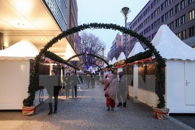 Chợ Giáng sinh tại quận Potsdamer Platz, Berlin. (Nguồn: THX/TTXVN)