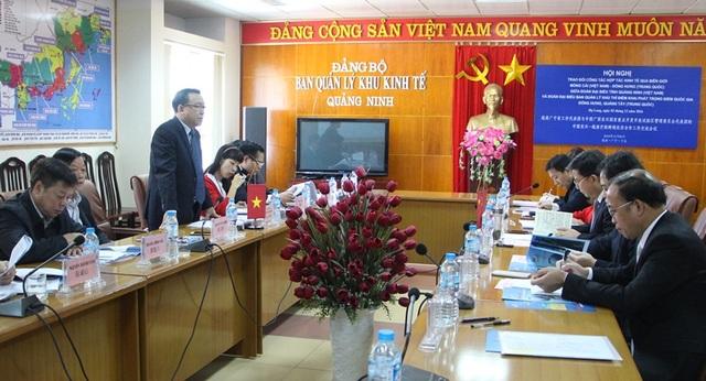 Trao đổi công tác hợp tác kinh tế qua biên giới Móng Cái (Việt Nam) - Đông Hưng (Trung Quốc) - 1