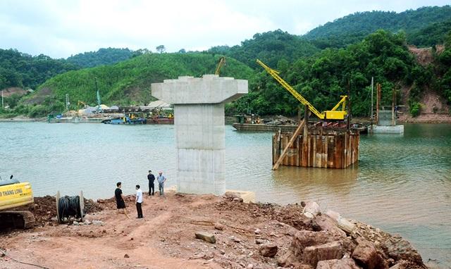 Đẩy nhanh tiến độ xây dựng cầu giàn thép thôn Đồng Châu - 1