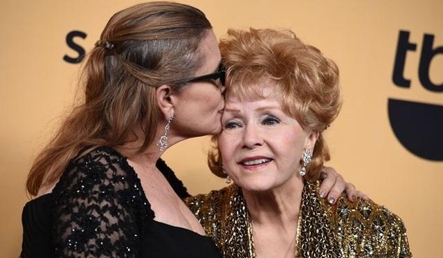 Nữ diễn viên Carrie Fisher và mẹ - bà Debbie Reynolds. (Nguồn: Getty Images)