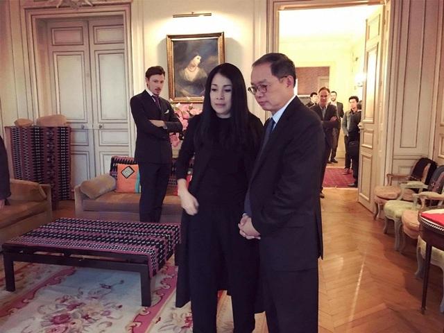 Nhiều lời ngợi khen và yêu mến trân trọng đặt tên nhà thiết kế Minh Hạnh là Coco Chanel Việt Nam vì chất liệu vải và kỹ thuật tuyệt mỹ.