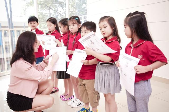 Trẻ cần môi trường giúp thẩm thấu tiếng Anh tự nhiên và thoải mái