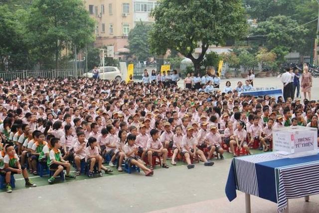 Học sinh, giáo viên Hệ thống giáo dục Ngôi sao Hà Nội quyên góp ủng hộ trẻ em nghèo bị tim bẩm sinh