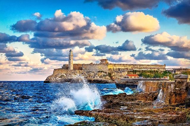 Pháo đài El Morro là nơi từng diễn ra nhiều trận đánh ác liệt giữa quân Tây Ban Nha và Anh