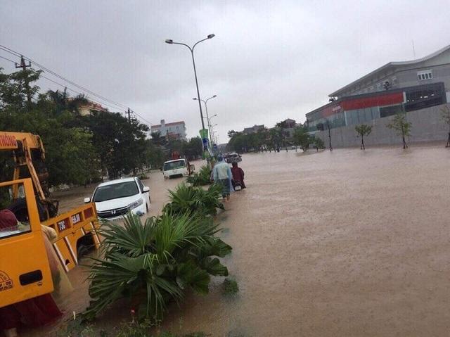 Mưa lũ đã khiến giao thông nhiều nơi ở Quảng Bình bị tê liệt