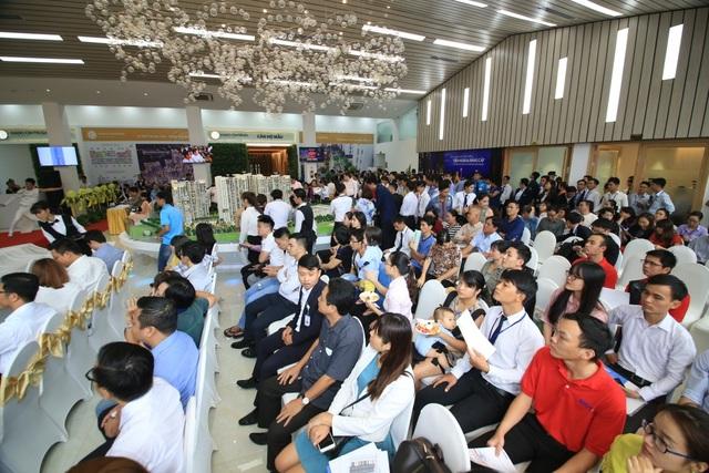 Buổi lễ nhận được sự quan tâm của rất đông khách hàng và các nhà đầu tư