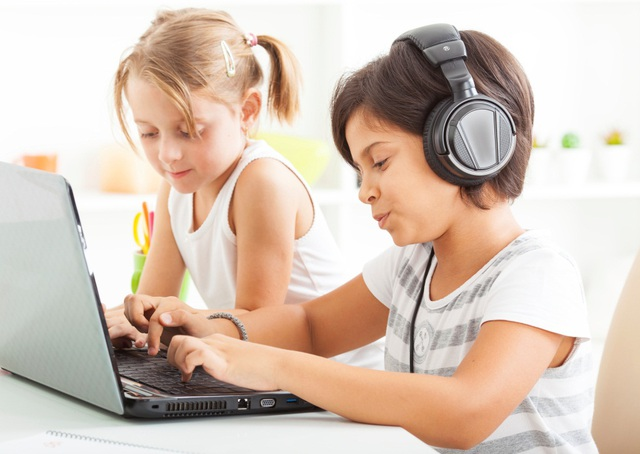 Thông qua nghe và đọc, trẻ học ngữ pháp một cách tự nhiên và hiệu quả nhất