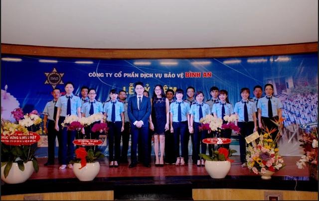 Chị Hoài An và Anh Bàng Long trong Lễ kỷ niệm của Công ty