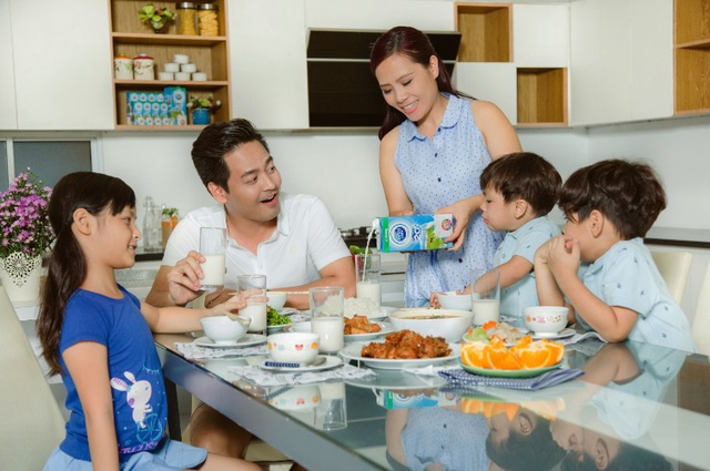 Ăn uống đơn giản nhưng đa dạng dưỡng chất là xu hướng dinh dưỡng mà gia đình Phan Anh đang áp dụng