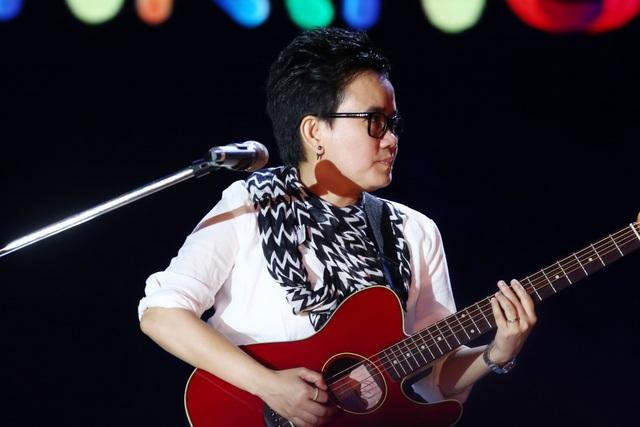 """Tóc Tiên, Phạm Anh Khoa """"gây sốt"""" với sáng tác mới nhất của Phương Uyên - 1"""