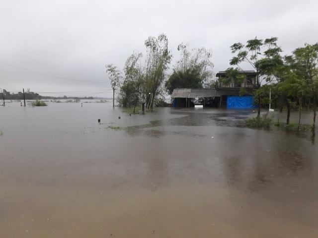 Nước lũ đã tràn bờ tại một số vùng ở huyện Quảng Điền