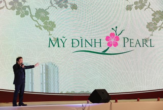 Tổng giám đốc Tập đoàn SSG, ông Đinh Ngọc Ninh phát biểu tại đêm nhạc