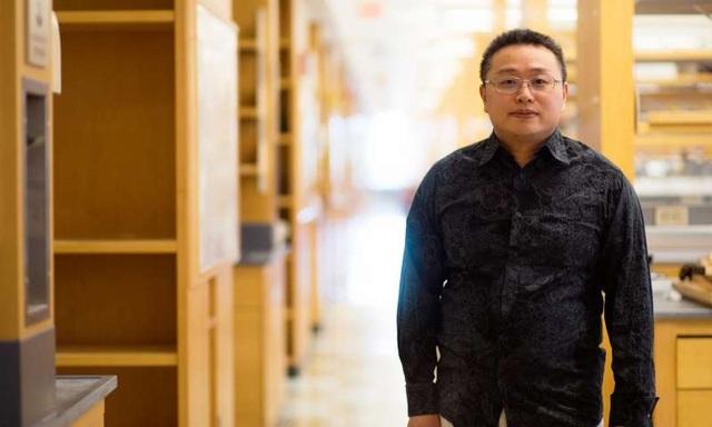 TS. Gang Han đến từ trường Đại học Y Umass (UMMS) cùng các cộng sự đã thiết kế thành công một loại phân tử được sử dụng trong liệu pháp quang động lực.