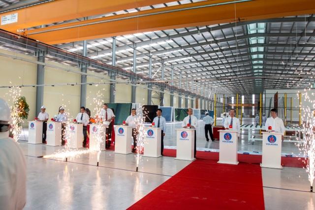 Giá tham chiếu phiên chào sàn của Viglacera là 15.600 đồng/cổ phiếu