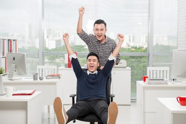 Nhân viên Prudential luôn cảm thấy hạnh phúc và tràn đầy năng lượng nhờ vào những chính sách đãi ngộ hấp dẫn và môi trường làm việc cân bằng giữa công việc, cuộc sống.