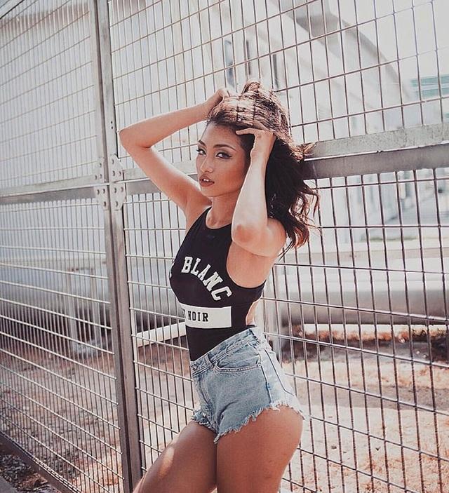 Nữ sinh 21 tuổi sexy nhất trường Học viện Hàng không - 11